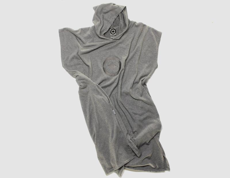 poncho-flat-grey
