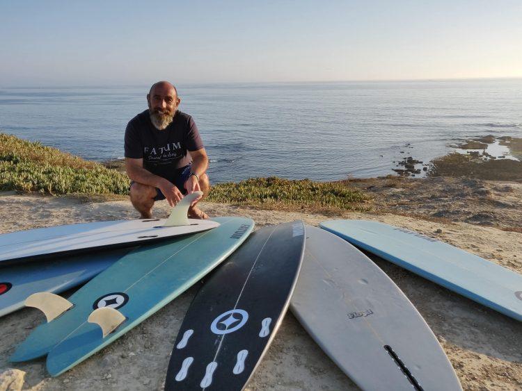 Surfing Fatum Surfboards