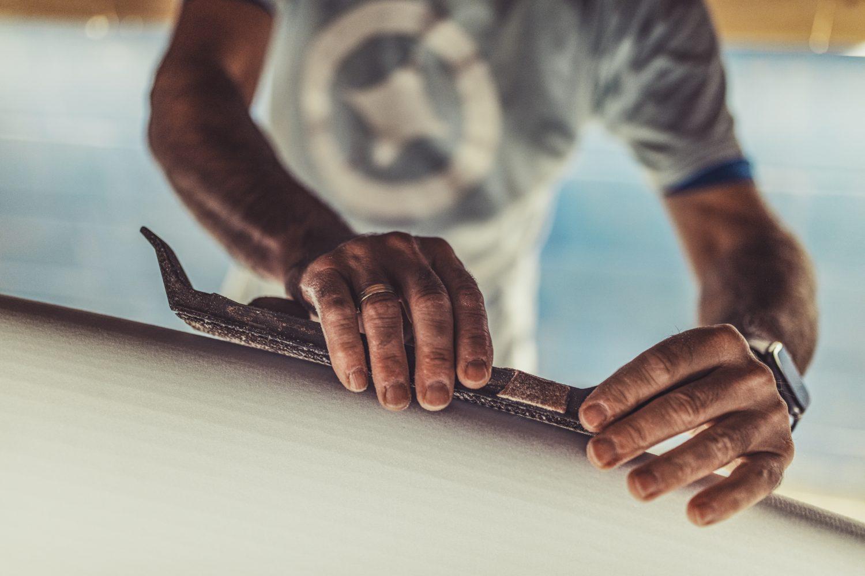 Gero, shaping a Fatum Surefboard
